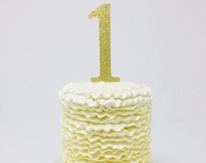 Ruffle Smash Cake