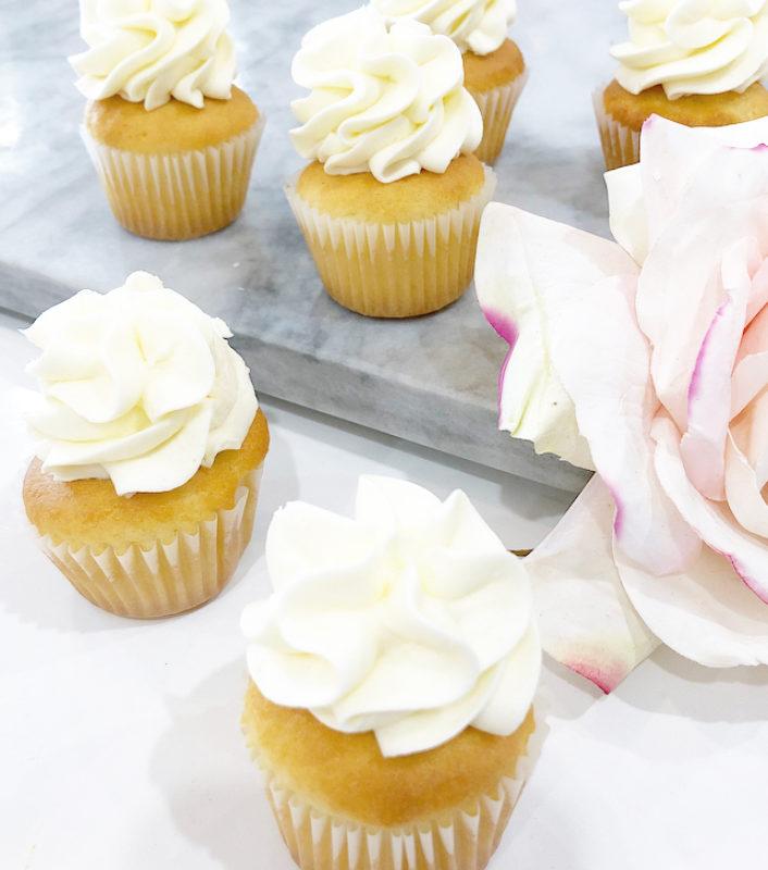 Vanilla Yum Mini Cupcakes