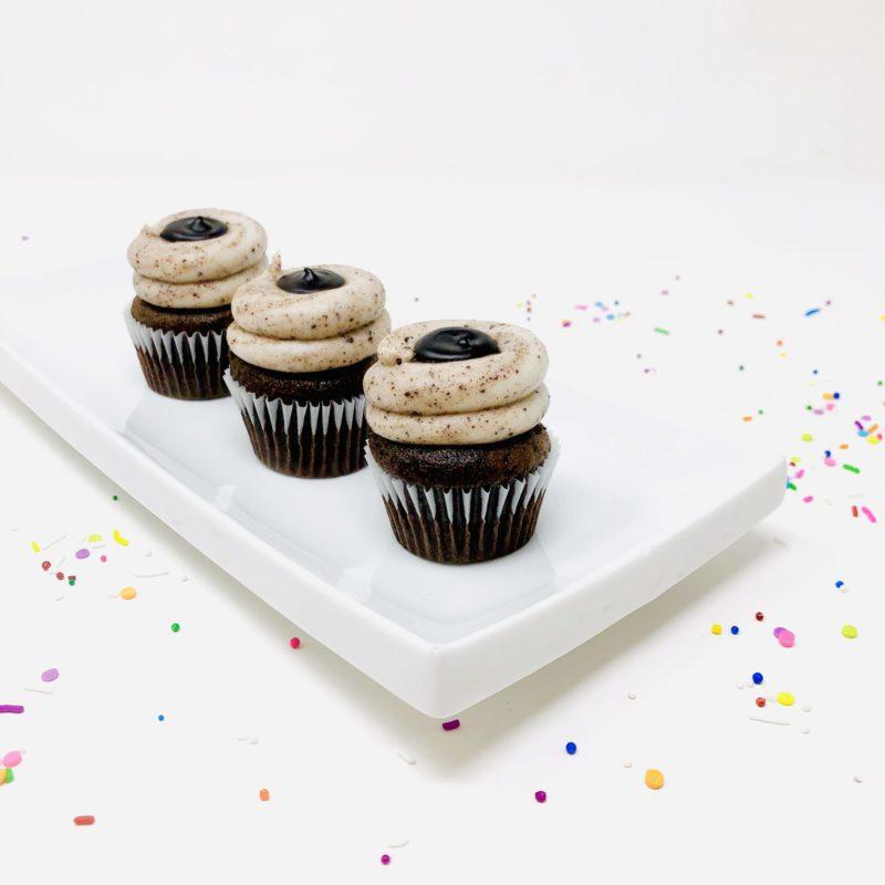 Vegan Cookies n' Cream Mini Cupcakes – Box of 12