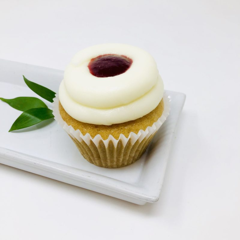 Vegan Vanilla Berry Cupcakes – Box of 6