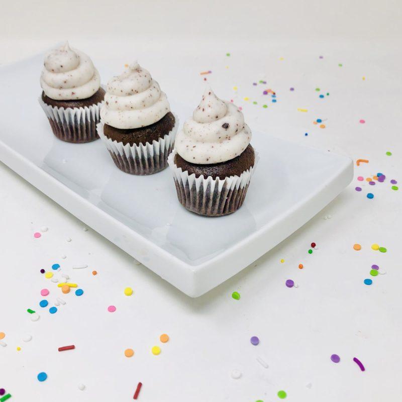 Vegan Cookies n' Cream Mini Cupcakes