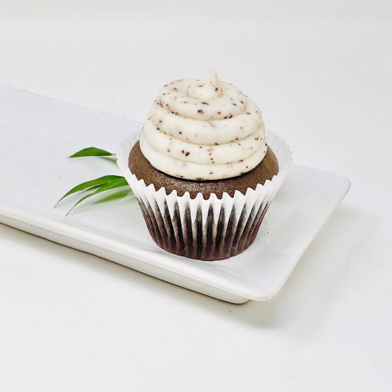 Vegan Cookies n' Cream Cupcakes