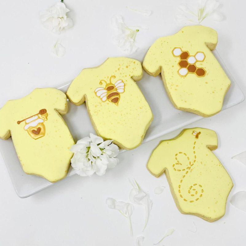 Bae-Bee Onesie Cookies