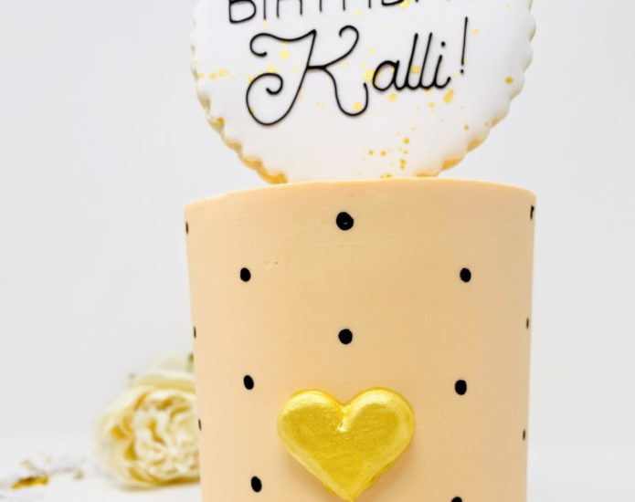 Luxe Heart of Gold Cakes